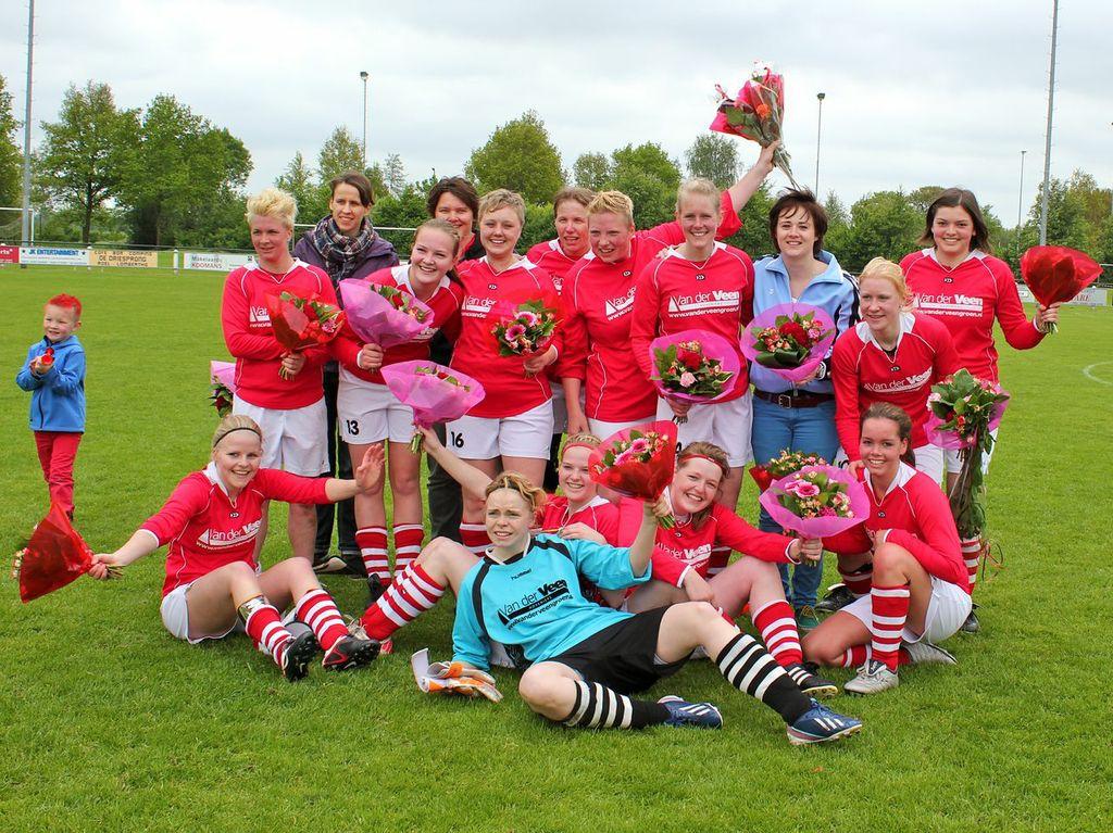 Het damesteam van Gasselternijveen stond enkele jaren onder leiding van Wolters